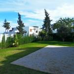 villa entourée de jardin