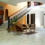 patio principal d'une maison de luxe