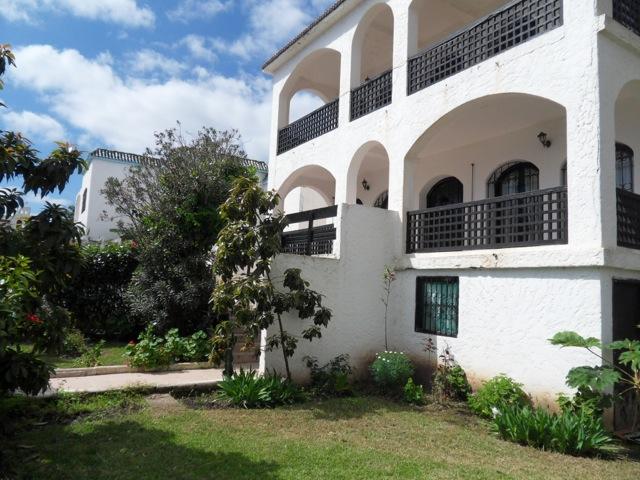 villa avec 6 chambres a vendre