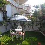 Villa avec petit jardin privé