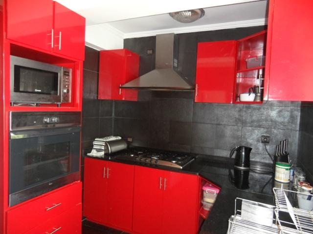 a vendre cuisine quip e. Black Bedroom Furniture Sets. Home Design Ideas
