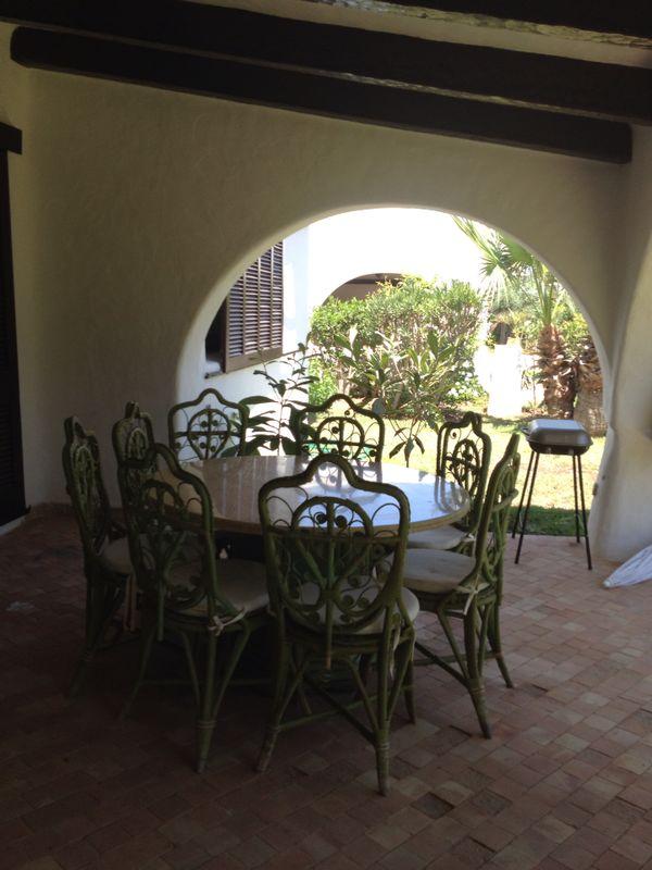 jardin de la villa a vendre