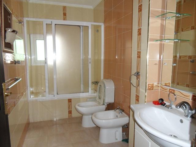salle de bain de RDC de la villa a vendre