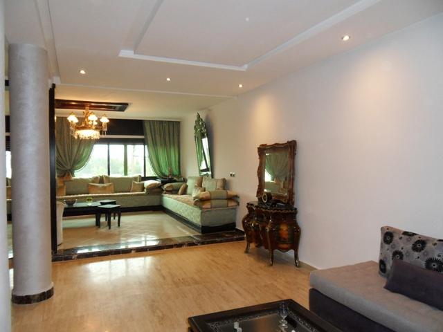 salon Modern au villa a vendre